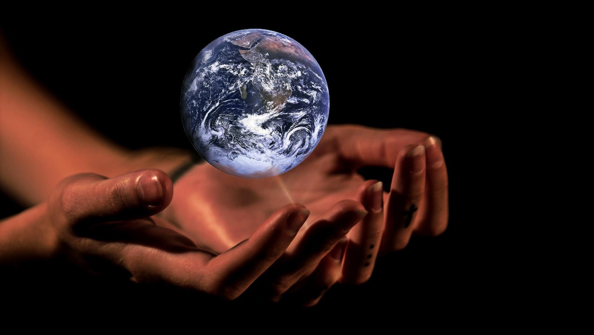 """Kitap Müzâkereleri – 4 """"Avuçlarımızda Titreyen Dünya: Küreselleşme"""""""